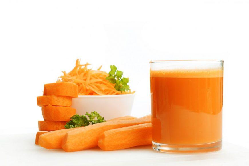 7 motive sa bei suc de morcovi