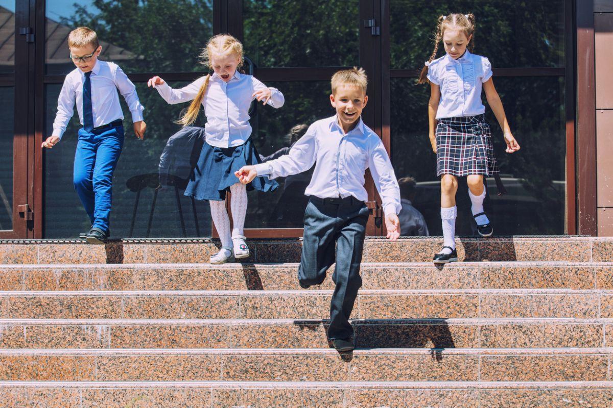 când începe școala