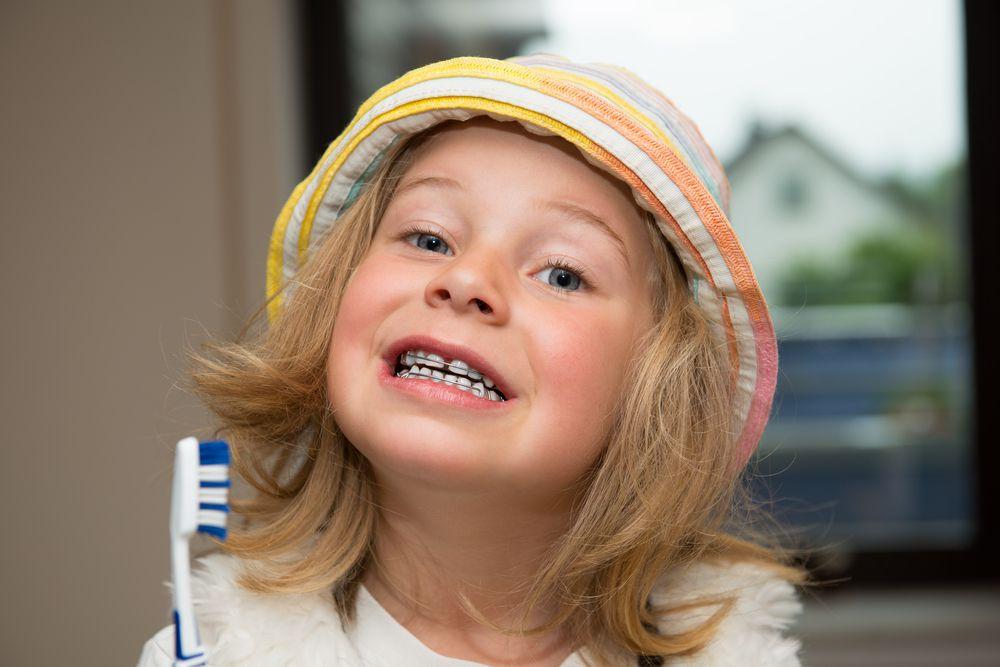 dinții înghesuiți