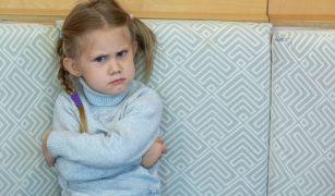 copil nervos și încăpățânat