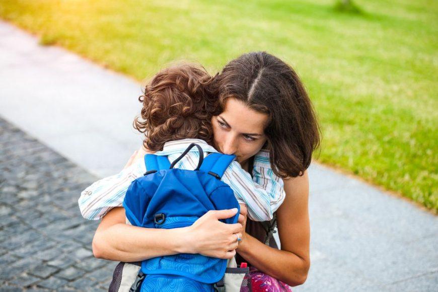 de ce plânge copilul la grădiniță