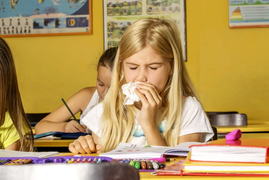 copil bolnav la școală