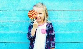 cum le dai copiilor dulciuri