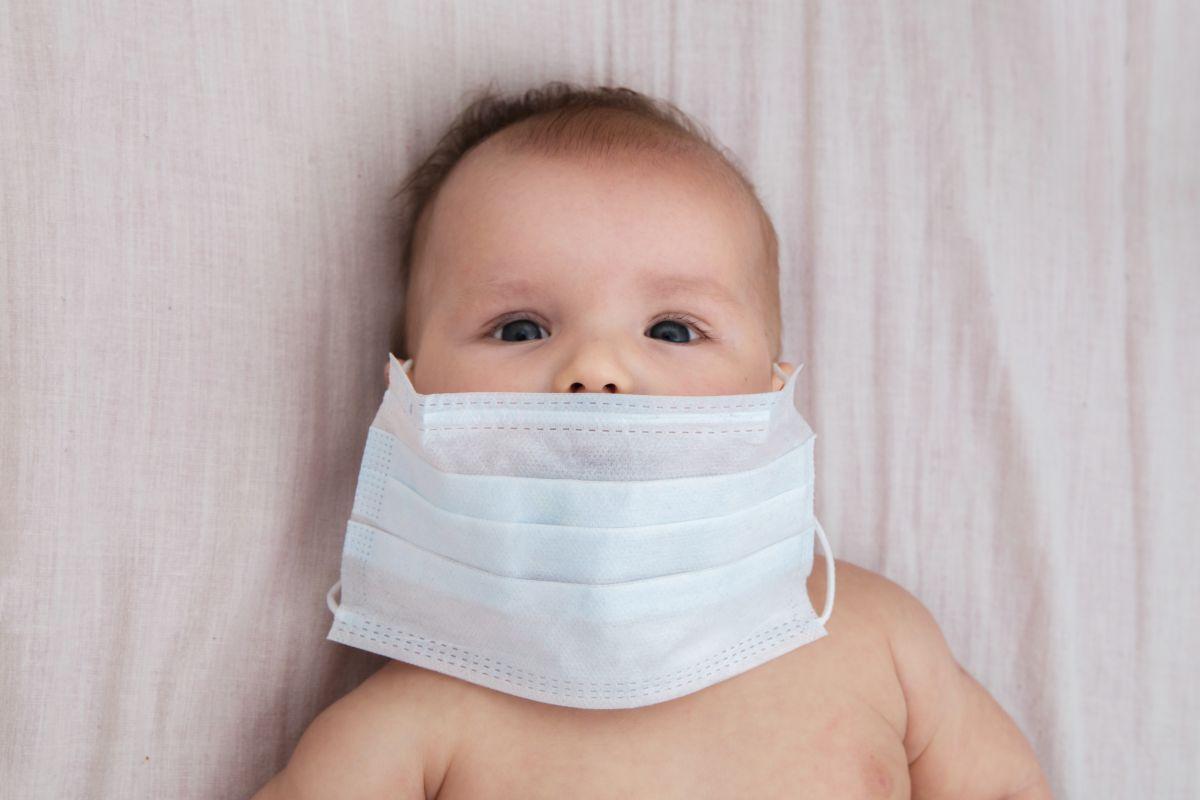 coronavirus la bebeluși