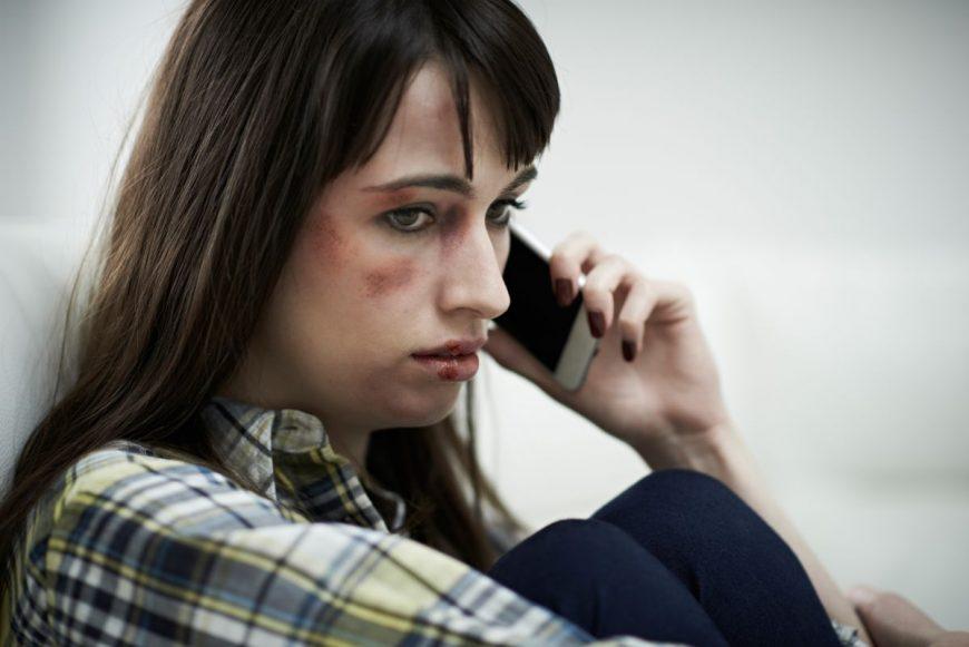 victimă violență domestică