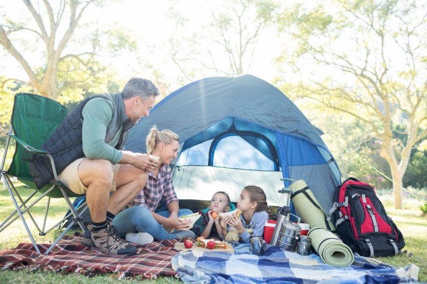 cu copiii în cort