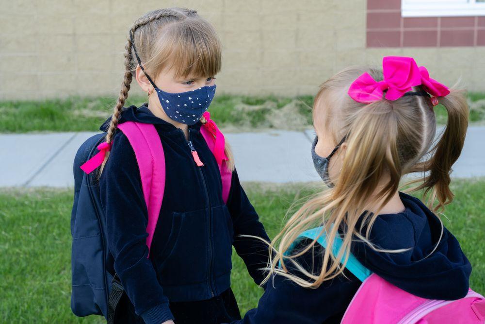Copiii pot purta mască în siguranță