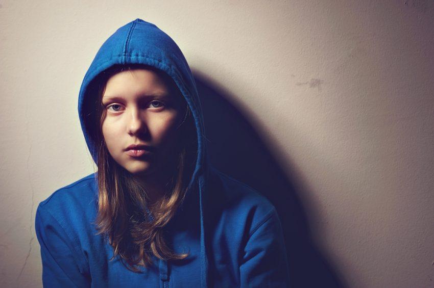Teen Line este un callcenter gratuit pentru adolescenții care nu știu cum să facă față realității.