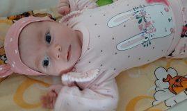 fetiță nou născută