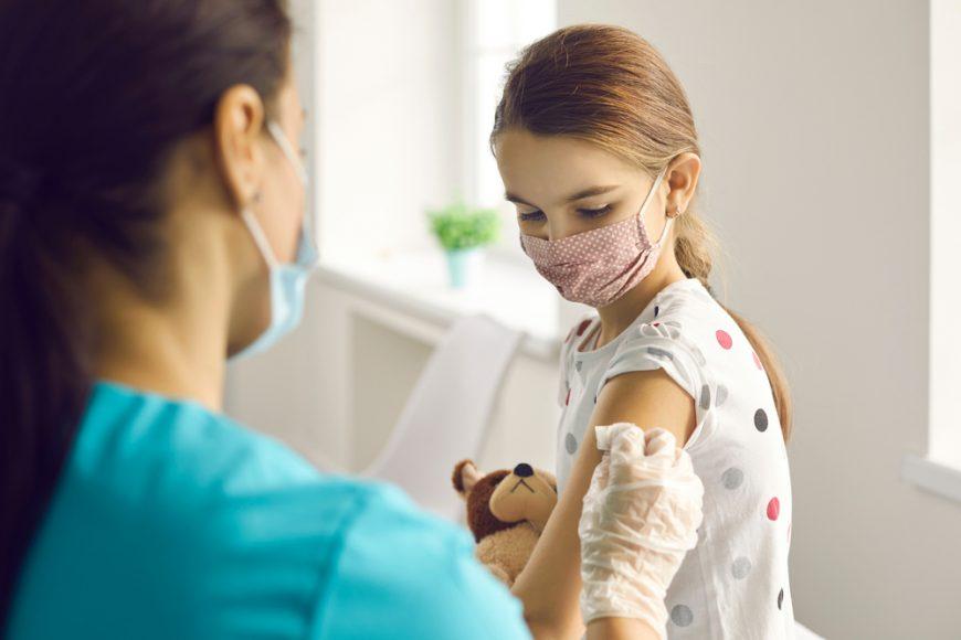Posibilitatea de a prezenta simptomatologie sugestivă intervine în cazul copiilor peste 10 ani, spun specialiștii de la Regina Maria