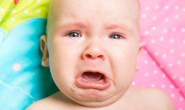 5 semne că ai un bebe care are colici