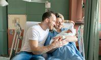cuplu cu nou născut