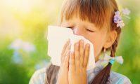 fetiță răcită