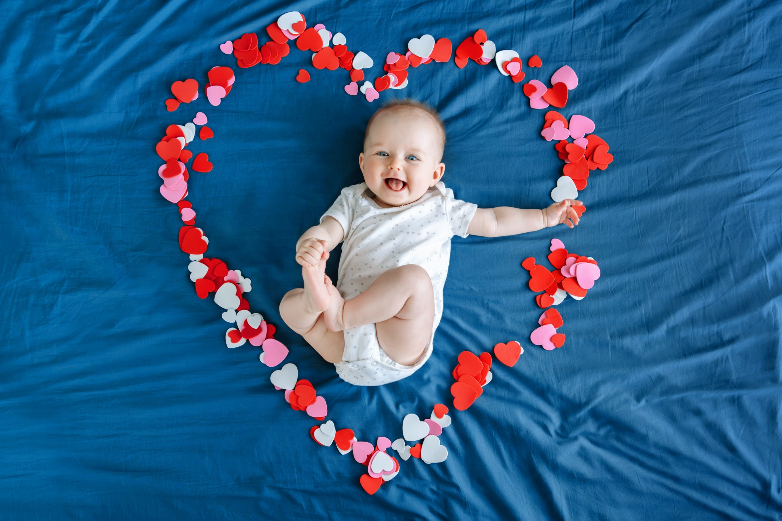 bebe la 4 luni de viata scaled