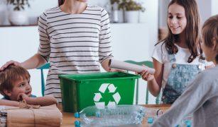 Pentru a nu îngroșa rândurile celor care aruncă gunoiul la grămadă, am decis să devenim o familie sustenabilă.